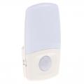 コンセント式 LEDセンサーナイトライト [品番]04-0315