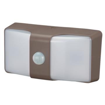 monban LEDセンサーウォールライト 乾電池式 160lm ブラウン [品番]06-4212