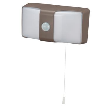 monban LEDセンサーウォールライト コンセント式 650lm ブラウン [品番]06-4214