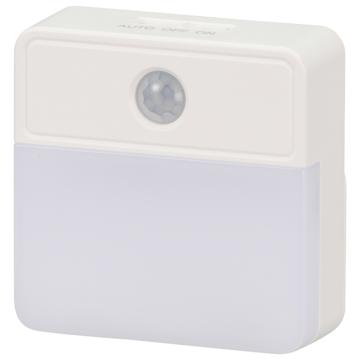 LEDセンサーナイトライト 明暗+人感 屋内用 電池式 [品番]06-4109